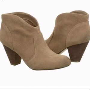 Carlos Santana Brooky suede ankle boots size 6
